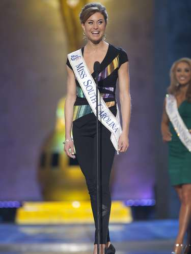 Miss America 2014 contestant, Miss South Carolina Brooke Mosteller, competes in a preliminary round during the Miss America Pageant in Atlantic City, New Jersey, September 10, 2013. Miss America will be crowned during the final ceremony on Sunday, September 15.    REUTERS/Carlo Allegri  (UNITED STATES - Tags: ENTERTAINMENT)