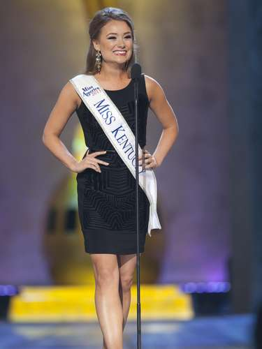 Miss America 2014 contestant, Miss Kentucky Jenna Day, competes in a preliminary round during the Miss America Pageant in Atlantic City, New Jersey, September 10, 2013. Miss America will be crowned during the final ceremony on Sunday, September 15.    REUTERS/Carlo Allegri  (UNITED STATES - Tags: ENTERTAINMENT)