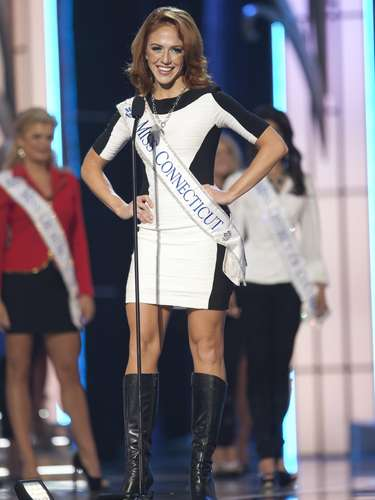 Miss America 2014 contestant, Miss Connecticut Kaitlyn Tarpey, competes in a preliminary round during the Miss America Pageant in Atlantic City, New Jersey, September 10, 2013. Miss America will be crowned during the final ceremony on Sunday, September 15.    REUTERS/Carlo Allegri  (UNITED STATES - Tags: ENTERTAINMENT)