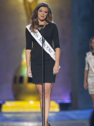 Miss America 2014 contestant, Miss Missouri Shelby Ringdahl, competes in a preliminary round during the Miss America Pageant in Atlantic City, New Jersey, September 10, 2013. Miss America will be crowned during the final ceremony on Sunday, September 15.    REUTERS/Carlo Allegri  (UNITED STATES - Tags: ENTERTAINMENT)