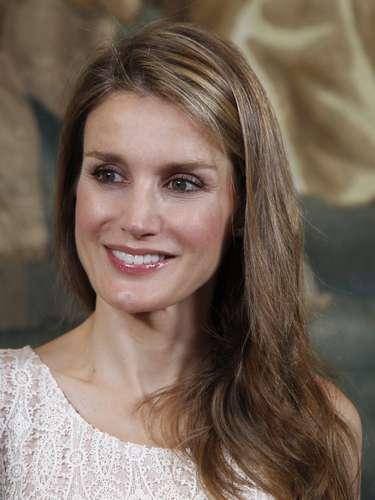 Doña Letizia cumple este domingo 41 años con la sombra de una posible crisis sentimental con el príncipe.