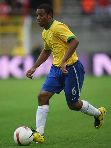 Marcelo Vieira plasmó su buen rendimiento como juvenil desde su debut como Fluminense hasta ser uno de los jugadores más importantes del Real Madrid. En el club merengue es dueño de la banda izquierda desde hace siete años, y en ocasiones lleva la cinta de capitán.