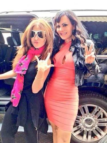 23 de Septiembre - Maribel Guardia y Gloria Trevi al parecer son buenas amigas puesto que hasta posan juntas para la foto.
