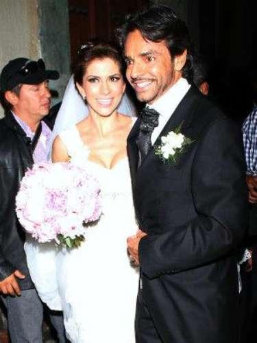 Nadie se atrevería a decir que el día de su boda, el pasado 7 de julio de 2012, la actriz y cantante Allessandra Rosaldo no lucía más bella que nunca. ¿Sabes dónde consiguió su vestido?