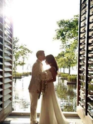 Sherlyn y Gerardo Islas se comprometieron a menos de un año deconocerse. La actriz recibió el anillo de compromiso en Bali.