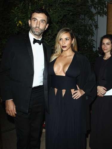 Kim se hizo acompañar porRiccardo Tisci en una fiesta súper selectiva en Paris