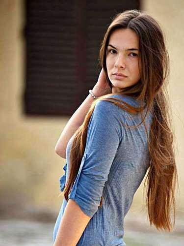 Miss Montenegro - Nikoleta Jovanovi. Tiene 18 años de edad, mide 1,80 metros de estatura.