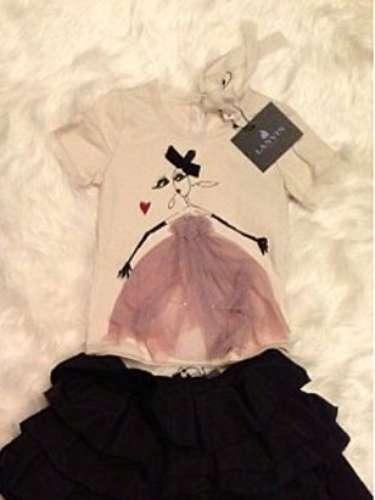 El color negro fue una constante en las prendas que le enviaron a la pequeña Nori