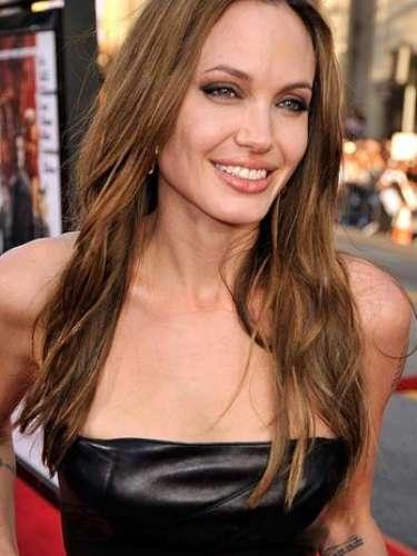 Angelina Jolie ha asegurado a varios medios que es adicta a el sexo, \