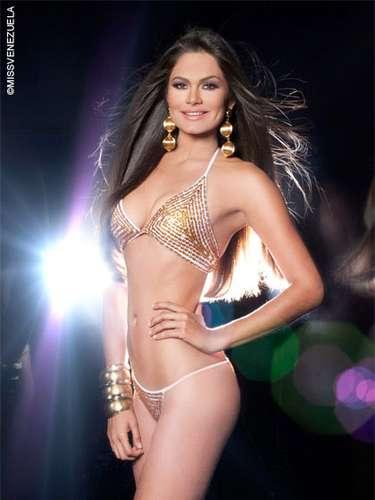 Miss Guárico - Michelle Marie Bertolini Araque. Tiene 18 años de edad, mide 1,80 metros de estatura y su ciudad natal es Caracas.