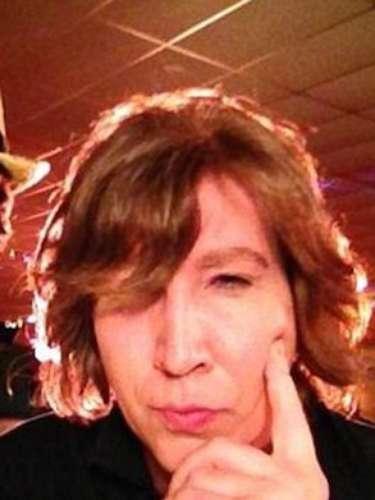 10 de Octubre - ¿Loreconocen? ¡Es nada más y nada menos que Marilyn Manson! El gótico rockero dejó el maquillaje en su casa para particupar de manera especial en la serieEastbound & Down.Manson sin duda luce irreconocible y hasta parece el gemelo del actor Alan Rickman, ¿no lo creen?