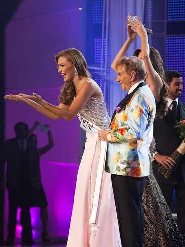 Junto a su mentor Osmel Sousa, mejor conocido como el 'Zar de la belleza' ahora le espera un largo camino tras la corona de la edición número 63 del próximo concurso de Miss Universo.