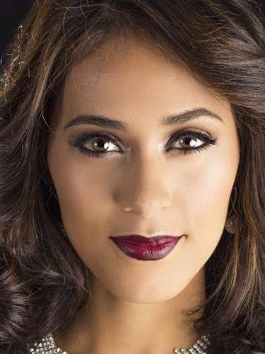 Miss Honduras - Diana Schoutsen. Tiene 26 años de edad, mide 1.83 metros de estatura (6 ft 0 in). Procede de Tela