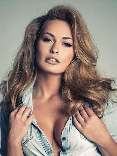 Ella es la sensual Miss Alemania, Anne Julia Hagen. Tiene 23 años de edad y reside en Berlín.