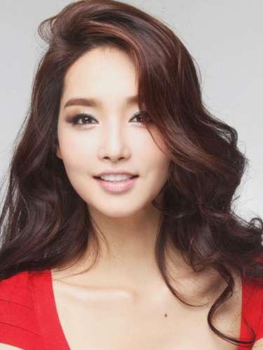 Esta impactante mujer es Miss Corea del Sur, Yu-Mee Kim. Tiene 23 años de edad y reside en Seúl.