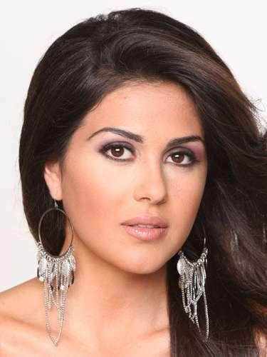 Esta encantadoja joven de cabello azabache es Miss Grecia, Anastasia Sidiropoulou. Tiene 19 años de edad y reside en Atenas