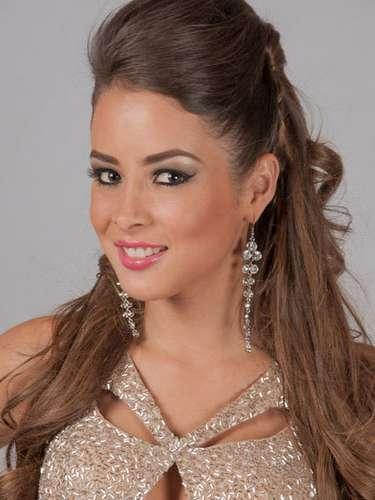 Centroamérica presente con Miss Guatemala, Andrea Paulette Samayoa Muy. Tiene 23 años de edad y procede de Ciudad de Guatemala