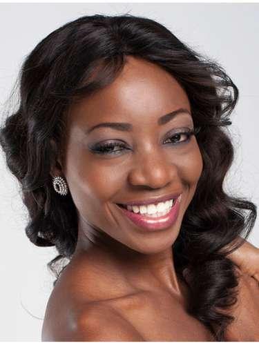 Esta diosa de ébano es Miss Namibia, Paulina Nangula April Malulu. Tiene 24 años de edad y reside en Windhoek.