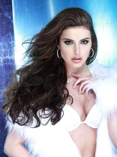 Miss Australia, Olivia Wells. Tiene 19 años de edad, su estatura es de 1.81 metros (5 ft 11 12 in) y procede de Black Rock.