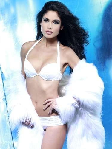 Miss España - Patricia Rodríguez. Tiene 23 años de edad, mide 1.82 metros de estatura(5 ft 11 12 in) y procede de Tenerife.