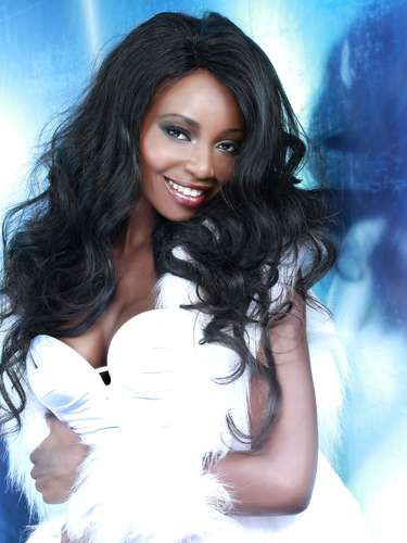 Miss Namibia - Paulina Malulu. Tiene 24 años de edad, mide 1.75 metros de estatura (5 ft 9 in) y reside en Windhoek.