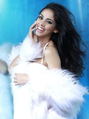 Miss Paraguay - Guadalupe González Talavera. Tiene 21 años de edad, mide 1.78 metros de estatura (5 ft 10 in) y procede de Lambaré