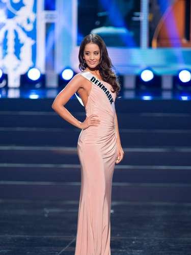Miss Dinamarca - Cecilia Aisha Iftikhar. Tiene 26 años de edadmide 1.73 metros de estatura (5 ft 8 in) y reside en Kokkedal