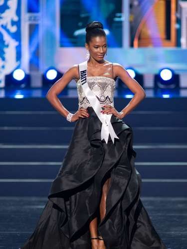 Miss Haití - Mondiana J'hanne Pierre. Tiene 19 años de edad, mide 1.80 metros de estatura (5 ft 11 in) y reside en Puerto Príncipe
