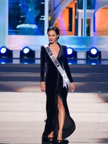 Miss Sudáfrica - Marilyn Ramos. Tiene 22 años de edas y reside en Klerksdorp