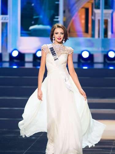 Miss Ucrania - Olga Storozhenko. Tiene 21 años de edad y reside en Vinnytsia