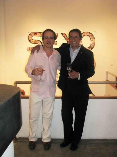 Artistas como Sebastian Masegosa, Rodrigo Suarez, Luisa Gonzalez, Ladislao Magyar, y amigos como Javier Iturrioz, Julio Suaya, Maria Costantini, Pata Villanueva felicitaron al nuevo artista.