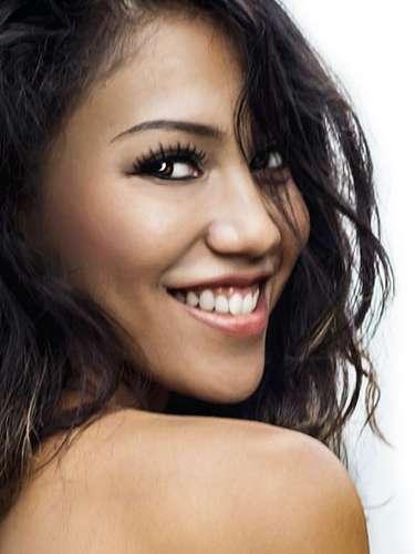 Miss Bélice- Amber Rivero, tiene 21 años de edad, mide 1.65 metros de estura (5 ft 5 in)y reside en Ciudad de Bélice.