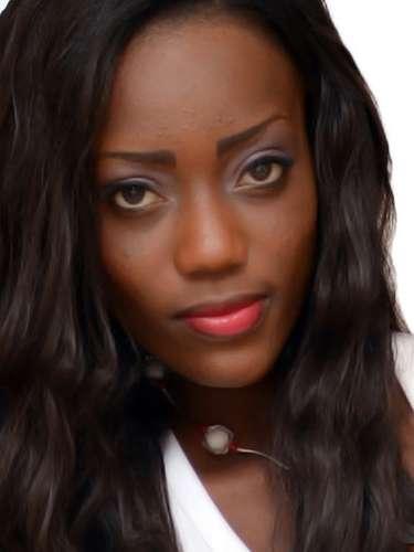 Miss Ghana - Amabel Klutse, tiene 21 años de edad, mide 1.80 metros de estatura (5 ft 11 in) y reside en Accra