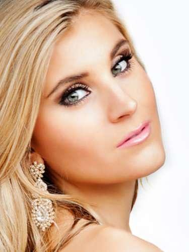 Miss Inglaterra- Chloe Othen, tiene 23 años de edad, mide 1.75 metros de estura (5 ft 9 in)y reside en  London.