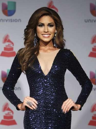 María Gabriela Isler de Venezuela, nuevísima Miss Universo, llevó un vestido diseñado por los mexicanos Antonio y Jesús Estrada. Sobre el traje, la bella miss dijo, \