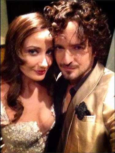 22 de noviembre - ¿No son adorables? El cantante Tommy Torres compartió un selfie junto a su esposa, la actriz Karla Monroig, diciendo: \