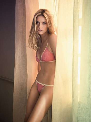 FIFA announced that the woman in charge of leading the Brazil 2014 World Cup draw will be the beautiful model and actress Fernanda Lima.