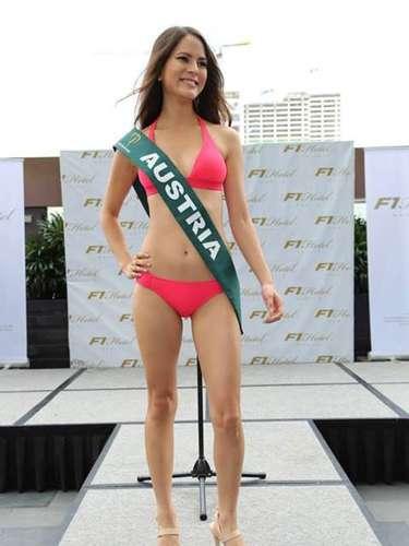 Miss Austria - Katia Wagner, tiene 25 años de edad, mide 1.73 metros de estura (5 ft 8 in)y reside en Vienna.