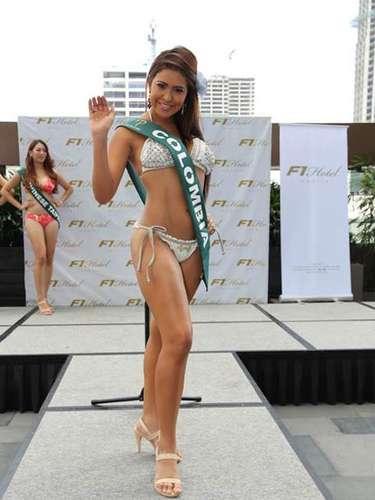 Miss Colombia - Diana Ortegón, tiene 21 años de edad, mide 1.68 metros de estura (5 ft 6 in)y reside en Girardot.