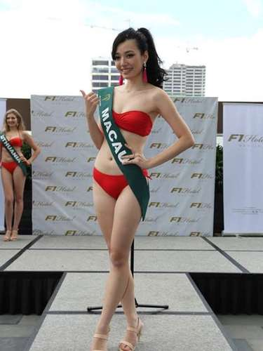 Miss Macao - Ashely Qian, tiene 22 años de edad, mide 1.73 metros de estura (5 ft 8 in)y reside en Macao.