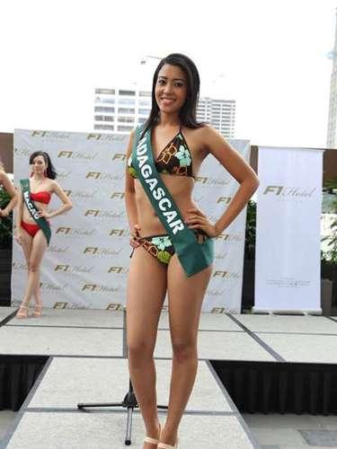 Miss Madagascar - Erwinah Mathon, tiene 24 años de edad, mide 1.70 metros de estura (5 ft 7 in)y reside en Antananarivo.