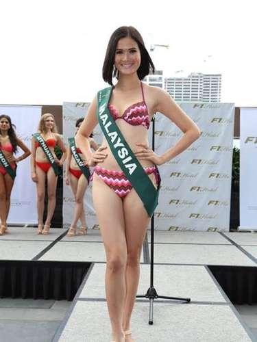 Miss Malasia - Josephine Tang, tiene 23 años de edad, mide 1.75 metros de estura (5 ft 9 in)y reside en Pahang.