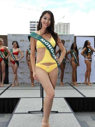 Miss Mongolia - Bayartsatsral Baljinnyam, tiene 25 años de edad, mide 1.75 metros de estura (5 ft 9 in)y reside en Ulan Bator.