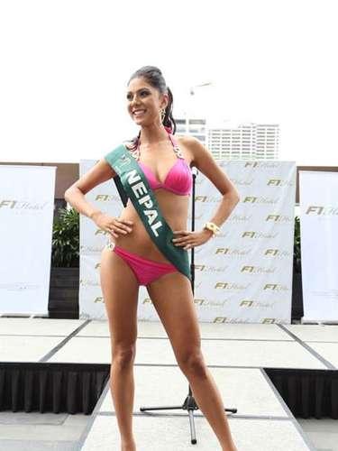 Miss Nepal - Rojisha Shahi Thakuri, tiene 20 años de edad, mide 1.73 metros de estura (5 ft 8 in)y reside en Dhapakhel.
