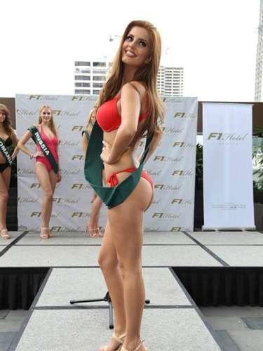Miss Serbia - Andjelka Tomasevic, tiene 20 años de edad, mide 1.70 metros de estura (5 ft 7 in) y reside en Zubin Potok.