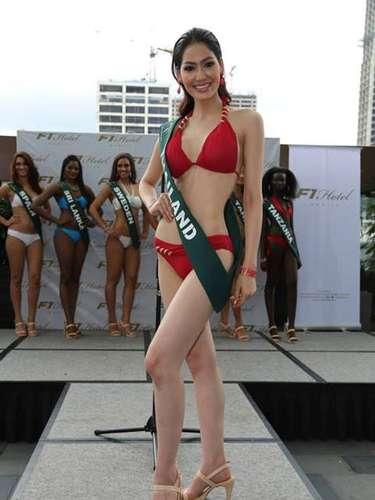 Miss Tailandia - Punika Kunsuntornrat, tiene 21 años de edad, mide 1.74 metros de estura (5 ft 8 1/2 in)y reside en Prachuap Khiri Khan.