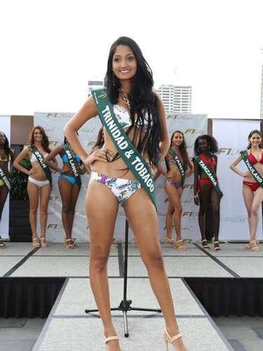 Miss Trinidad y Tobago - Ariana Rampersad, tiene 21 años de edad, mide 1.80 metros de estura (5 ft 11 in)y reside en Couva.
