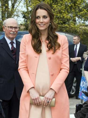 Luego de los tres primeros meses Kate continuó, sin ningún problema, con sus múltiples compromisos y ocupaciones. En cada uno de ellos lucía radiante, vital y muy dulce.