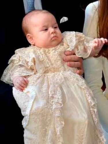 El pequeño, desde su nacimiento, ha sido llamado Príncipe Jorge de Cambridge. Nombre que rinde homenaje al padre de Isabel II, el Rey Jorge VI.