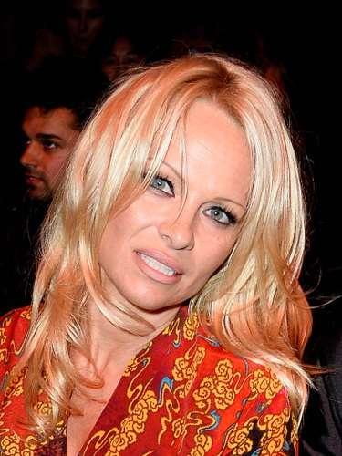 La modelo y actriz es reconocida por su tradicional cabellera rubia.